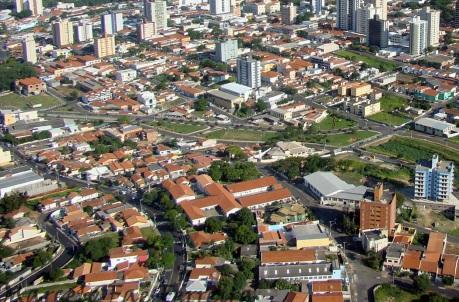 27 de Agosto — Foto aérea da cidade — Americana (SP) — 142 Anos em 2017.