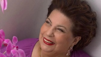 29 de Abril - 1941 – Nana Caymmi, cantora brasileira.