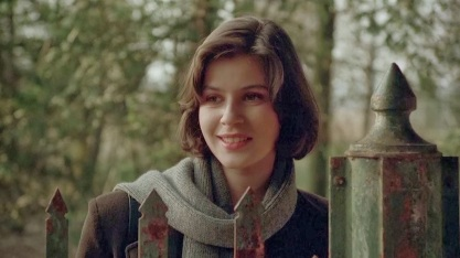 15 de Julho - 1966 — Irène Jacob, atriz franco-suíça.