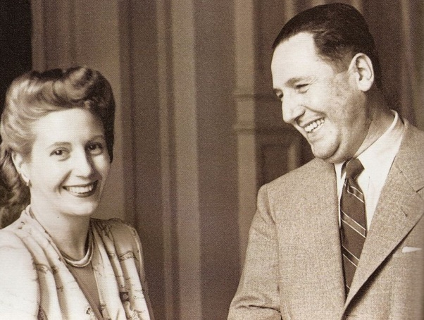 7 de Maio - 1919 – Eva e Perón.