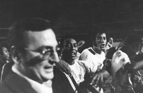 17 de Julho - Carlos Alberto Torres - 1944 – 73 Anos em 2017 - Acontecimentos do Dia - Foto 6 - No Santos com Pelé.