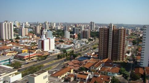 1 de Agosto – Foto aérea da cidade — Bauru (SP) — 121 Anos em 2017.