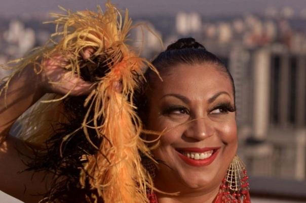 22 de Abril - 1949 – Maria Alcina - cantora brasileira.