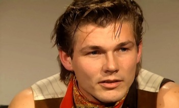 14 de Setembro – 1959 — Morten Harket, cantor norueguês. Vocalista da banda A-ha.