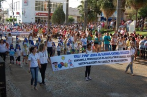 16 de Junho - Desfile cívico em Bariri (SP).