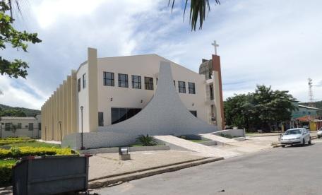 1 de Outubro - Igreja — Campos Belos (GO)— 63 Anos em 2017.