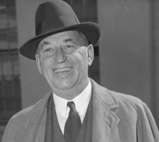2 de Abril - 1875 — Walter Chrysler, industrial estadunidense (m. 1940).