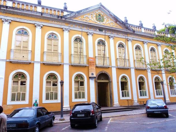 3 de Outubro - Palácio Barão de Guapi. Já sediou a Prefeitura e a Câmara Municipal. Atualmente abriga a Biblioteca — Barra Mansa (RJ) — 185 Anos em 2017.