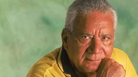 16 de Maio - 1925 – Nilton Santos, futebolista brasileiro (m. 2013) - close.