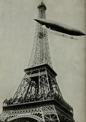 20 de Julho - Santos Dumont – 1873 – 144 Anos em 2017 – Acontecimentos do Dia – Foto 22 - Santos Dumont contornando a Torre Eiffel com o dirigível número 5, em 13 de julho de 1