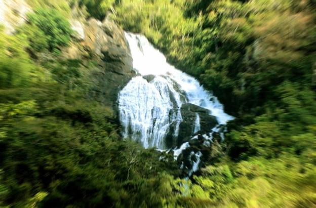 2 de Abril - Cachoeira Grande de Poço Fundo.