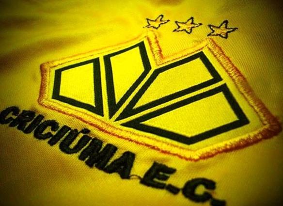 13 de Maio - 1947 – Fundação do Criciúma Esporte Clube, com o nome de Comerciário Esporte Clube (Criciúma, Santa Catarina, Brasil).