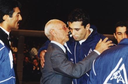 1 de Outubro - Hélio Gracie - 1913 – 104 Anos em 2017 - Acontecimentos do Dia - Foto 21 - Hélio e Royce Gracie.