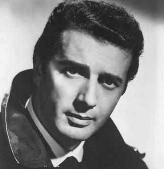 8 de Abril - 1921 — Franco Corelli, tenor italiano.