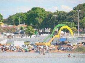 30 de Maio - Arcos da Praia das Gaivotas vistos da água - Conceição do Araguaia (PA) - 120 Anos