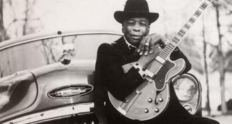 21 de Junho - 2001 — John Lee Hooker, músico estadunidense de blues (n. 1917).