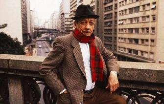 6 de Agosto – 1910 – Adoniran Barbosa, músico, cantor, compositor, humorista e ator brasileiro (m. 1982).