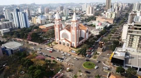 25 de Agosto — Foto aérea da Catedral Santo Antônio — Chapecó (SC) — 100 Anos em 2017.