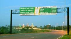 14 de Maio - Assis Brasil (AC) 41 Anos - Fronteira com o Peru - Placa na rodovia.