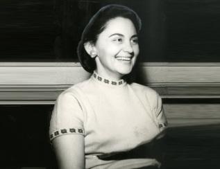 13 de Setembro – Laura Cardoso - 1927 – 90 Anos em 2017 - Acontecimentos do Dia - Foto 6 - Laura Cardoso em 1957.