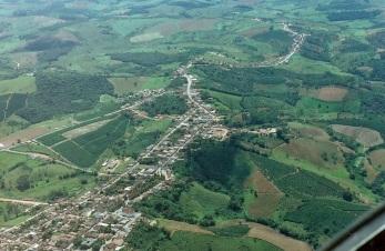 10 de Setembro – Foto aérea da cidade — Nova Resende (MG) — 92 Anos em 2017.