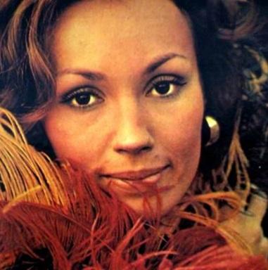 9 de Agosto – 2008 — Tânia Scher, atriz brasileira (n. 1947).