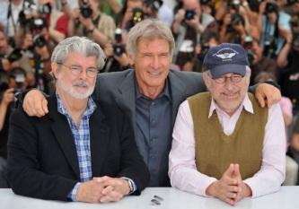 14 de Maio - 1944 – George Lucas, cineasta estadunidense, com Harrison Ford e Steven Spielberg.
