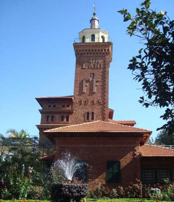 22 de Maio - Castelo Furlani — Pederneiras (SP).
