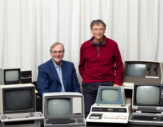 4 de Abril - 1975 — Fundação da Microsoft em Albuquerque, Novo México, uma parceria entre Bill Gates e Paul Allen.
