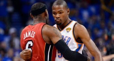 29 de Setembro – Kevin Durant - 1988 – 29 Anos em 2017 - Acontecimentos do Dia - Foto 29 - Oklahoma City Thunder vs Miami Heat, 2011-2012. Kevin com Lebron James.