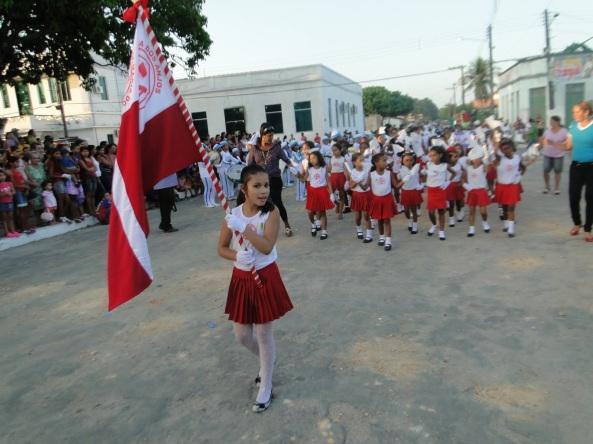29 de Maio - Porta-bandeira no desfile das Escolas no 7 de setembro - Ourém (PA) - 255 Anos