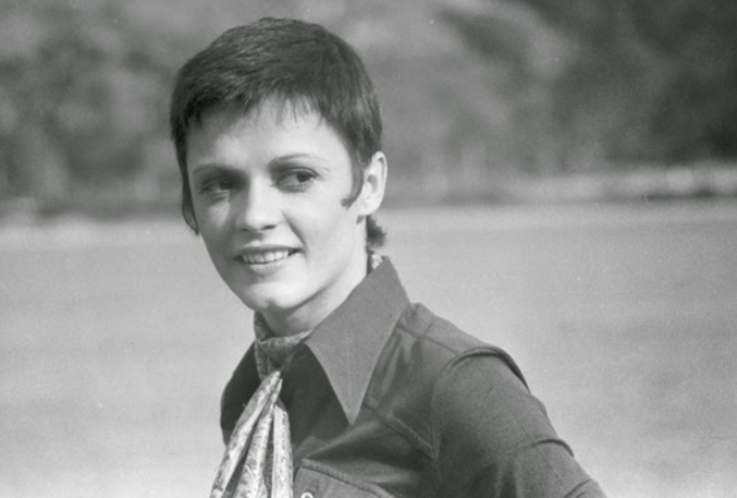 11 de Maio - 1949 – Bete Mendes, atriz, brasileira, jovem.
