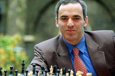 13 de Abril - 1963 - Garry Kasparov, ex-enxadrista azerbaidjano.