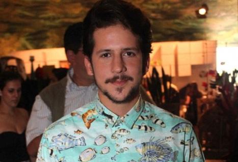 25-de-fevereiro-caio-braz-apresentador-de-tv-brasileiro