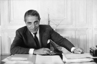 15 de Março - 1975 — Aristóteles Onassis, magnata grego (n. 1906).