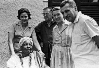 2 de Julho - Zélia, Sartre, Simine de Beauvoir, Jorge Amado e Mãe Senhora.