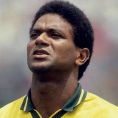 8 de Abril - 1966 — Mazinho, ex-futebolista brasileiro.