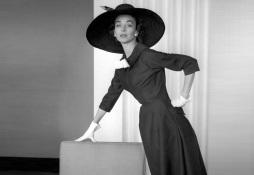 7 de Julho – Dorian Leigh é considerada por alguns como a primeira supermodelo do mundo.