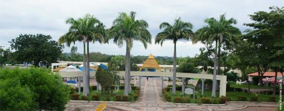17 de Abril - Bacabal, Maranhão . Praça Santa Teresinha.