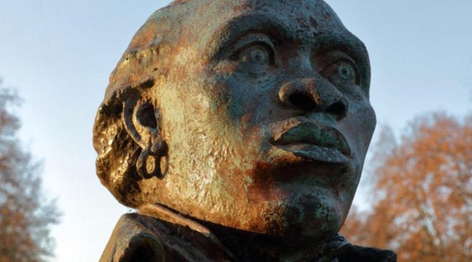 6 de maio - Toussaint Louverture, busto, monumento, escultura