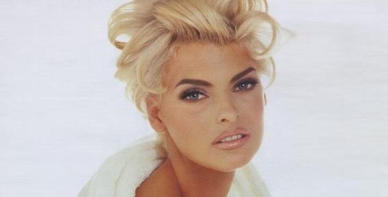 10 de Maio - 1965 – Linda Evangelista, supermodelo canadense.