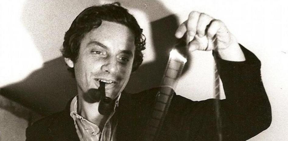 4 de Maio - 1946 – Rogério Sganzerla, ator e cineasta brasileiro (m. 2004).