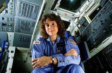 2 de Setembro – 1948 – Christa Mcauliffe, astronauta (Nasa, falecida no ônibus espacial Challeger