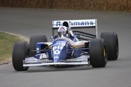 1 de Maio - Foto de uma Williams FW16, que Senna pilotava durante o acidente de Ímola.