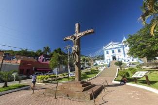3 de Setembro – Igreja e o Cristo na Cruz — Ilhabela (SP) — 212 Anos em 2017.