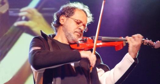 13 de Agosto – 1953 – Marcus Viana, violinista e compositor brasileiro.