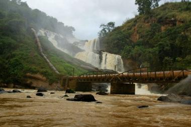 21 de Maio - Cachoeira de Tombos - Tombos (MG) 165 Anos.
