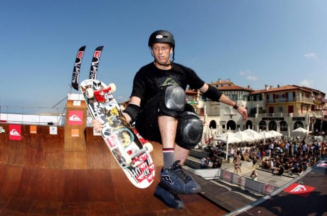 12 de Maio - 1968 - Tony Hawk, skatista estadunidense.