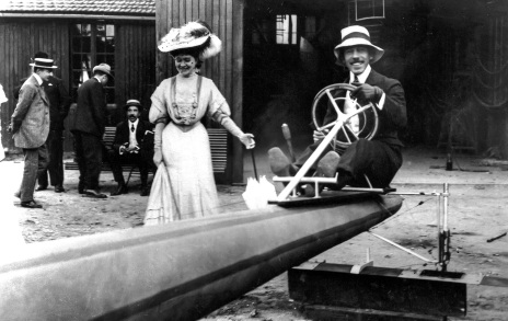 20 de Julho - Santos Dumont – 1873 – 144 Anos em 2017 – Acontecimentos do Dia – Foto 10.