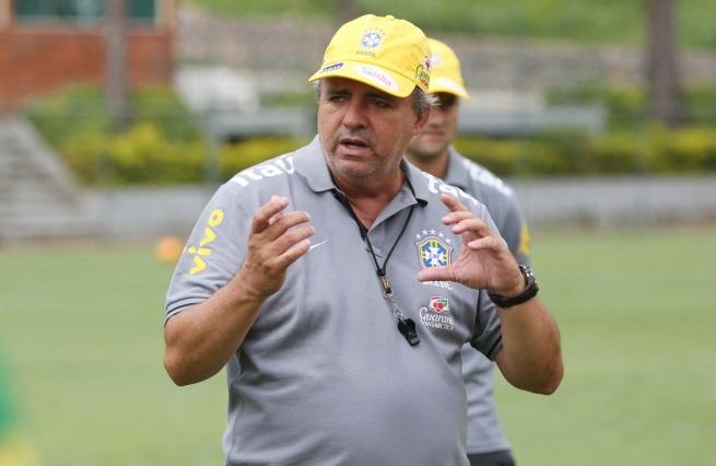 21 de Agosto – 1956 – Vadão, ex-futebolista e treinador brasileiro.